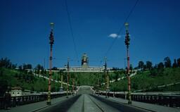Monstrum nad Prahou. Autor Stalinova pomníku spáchal sebevraždu, dnes je prostor symbolem svobody a skejtování