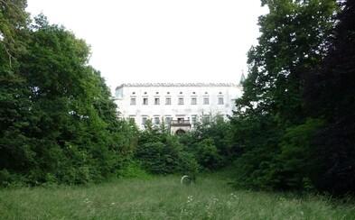 Moraviansky kaštieľ: Kedysi pýcha okolia, dnes miesto plné strašidelnej atmosféry a všadeprítomnej deštrukcie