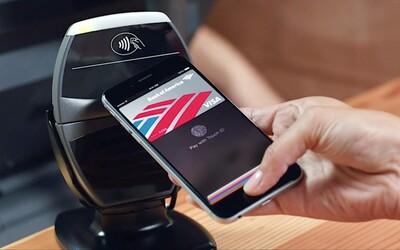Možno už čoskoro budeme platiť na Slovensku pomocou iPhonu. Slovensko má vraj najlepšie predpoklady na spustenie služby Apple Pay