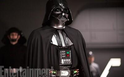 Mrazivé ukázky z Rogue One a detailní pohled na Vadera. První Star Wars spin-off film aspiruje na sci-fi roku
