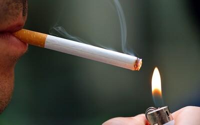 Mŕtvoly, impotencia alebo poškodené orgány: Nechutné obrázky na cigaretách doplnili výstražné texty
