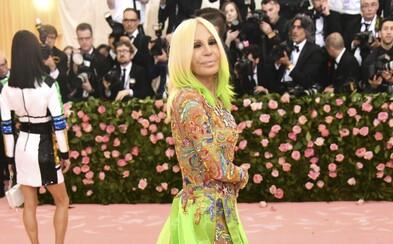 Musíme si pomáhat: Donatella Versace věnovala více než 5 000 000 korun na boj proti koronaviru