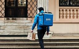 Musíme si pomáhat. Jak se firmy v Česku snaží lidem usnadnit koronavirovou pandemii
