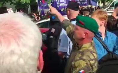 Muž dostal za hajlování na Václavském náměstí pokutu 30 tisíc a podmínku