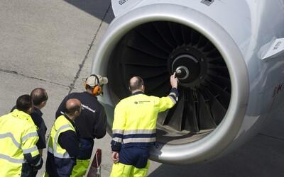 Muž hodil do motora lietadla dve mince pre šťastie. Musel zaplatiť 15-tisíc eur a skončil vo väzení