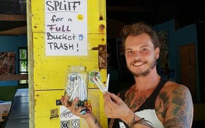 Muž na Jamajce rozdává zadarmo jointy turistům, kteří nasbírají koš odpadků z pláže