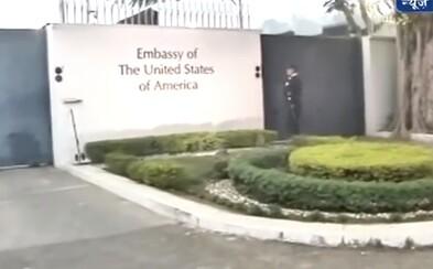 Muž na půdě americké ambasády znásilnil pětileté děvčátko. Vylákal jej, když si hrálo na zahradě