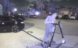 Muž poškodil brzdy a rám na téměř 140 sdílených koloběžkách. Policie ho chytila do pasti