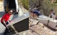 Muž sa smial z recyklovania, keď hádzal chladničku dole z kopca. Musel ju ísť vytiahnuť a čaká ho súd