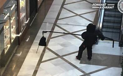 Muž sa v bratislavskom Auparku vyhrážal, že má bombu. Obchodné centrum okamžite evakuovali (Aktualizované)