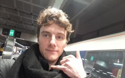 Muž se rozhodl cestovat ekologicky, strávil měsíc ve vlacích. Cesta z Anglie do Číny ho stála skoro 60 000 korun