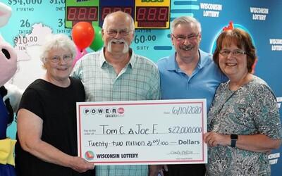 Muž si rozdelil 22-miliónovú výhru v lotérii s kamarátom, lebo mu to sľúbil pred takmer 30 rokmi