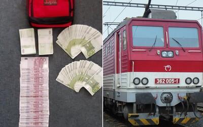 Muž si ve slovenském vlaku zapomněl 1,6 milionu korun. Prý si úspory vybral z banky kvůli poplatkům