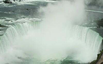 Muž spadol z Niagarských vodopádov a prežil