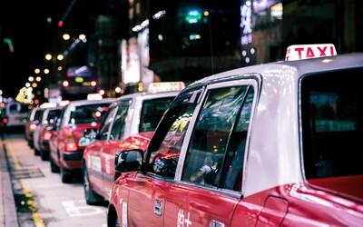 Muž v Kanadě si odmítl dát roušku v taxíku, řidič ho odvezl rovnou na policii