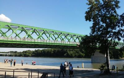 Muža v Bratislave kopol mladík do hrude tak, že spadol do Dunaja. Útočil pritom iba 18-ročný chlapec