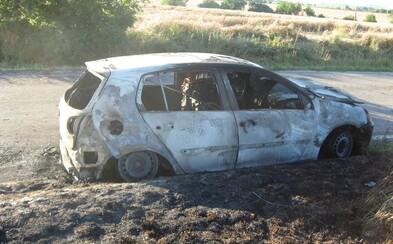 Muža zo zhoreného auta možno niekto zabil, oheň mal len zahladiť stopy