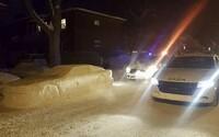 Muži postavili natolik věrohodnou repliku auta, že u nich zastavili policisté