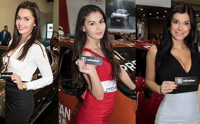 Na bratislavskom Autosalóne nechýbali nablýskané autá a krásne ženy. Tie boli opäť dôkazom, že Slovenky sú nakrajšie na svete
