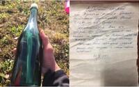 Na břehu Aljašky našel 50 let starý dopis v láhvi, poslal ho ruský námořník