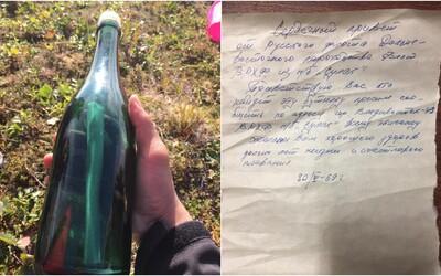 Na brehu Aljašky našiel 50 rokov starý list vo fľaši, poslal ho ruský námorník