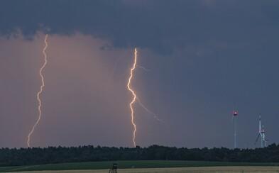 Na Česko se ženou silné bouře s krupobitím