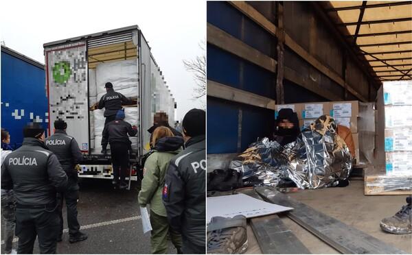 Na D1 vyskočili z návesu nákladiaka dvaja migranti. Polícia cudzincov z Afganistanu preveruje