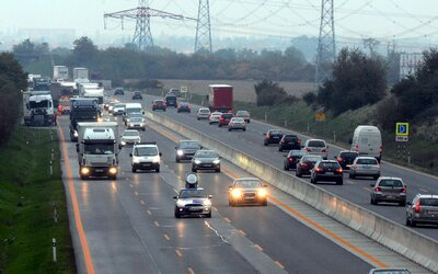 Na diaľnici D1 už o pár dní budeš môcť jazdiť 140-tkou. Zatiaľ však pôjde len o vybraný úsek