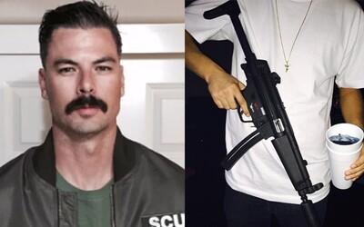 Na dom streamera z Twitchu začali strieľať priamo v živom vysielaní, pričom doma mal aj svoju rodinu