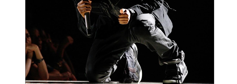 Na eBay sa ocitol jediný existujúci pár Nike Yeezy 1 v čiernom prevedení. Tenisky osobne vlastnil ich návrhár Kanye West