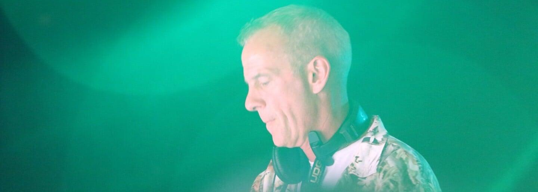 Na festivalu Beats for Love zahraje legendární Fatboy Slim! Krom něj vystoupí bezmála 400 interpretů z celého světa