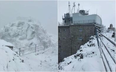 Na horách už napadala prvá snehová nádielka. V Tatrách sú teploty pod bodom mrazu