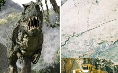 Na jihoamerické skále se nachází přes 5 000 otisků dinosauřích stop a kdysi se po ní procházel i sám Tyrannosaurus rex