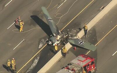 Na kalifornské dálnici havarovalo letadlo jako z nacistického Luftwaffe