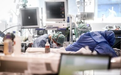 V Česku na koronavírus zomrel druhý človek