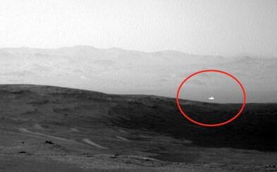 Na Marse sa zjavila jasná biela žiara. Podľa konšpirátorov ide o UFO, NASA nemá presné vysvetlenie