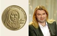 """Na medaili vypadám """"na první dobrou"""" spíš jako Braňo Mojsej, přiznala slovenská prezidentka Čaputová. Reakce internetu ji pobavily"""