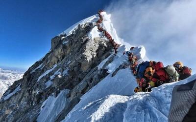 Na Mount Everest nebude moci vylézt kdokoliv. Kvůli loňským tragédiím zavedli zpřísněná pravidla