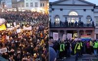 Na námestí v Košiciach protestovali stovky ľudí proti Kotlebovi. Dav Mazureka posielal do basy