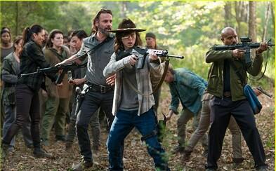 Na natáčaní kamaráti, v seriáli nepriatelia na smrť. Nahliadnite do natáčania ôsmej série The Walking Dead
