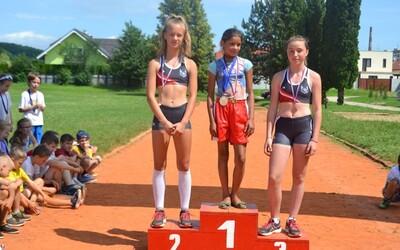 Na nohách malo balerínky, ale aj tak dievčatko z osady s prehľadom vyhralo. Slováci sa malému talentu hneď rozhodli pomôcť