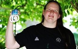 Na olympijských hrách bude prvýkrát súťažiť transrodová športovkyňa. Jej účasť vyvolala vlnu protestov ženských vzpieračiek
