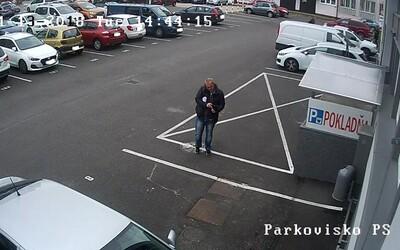 Na parkovisku v Trenčíne našiel v taške 5 000 €. Nevšimol si, že ho sníma kamera