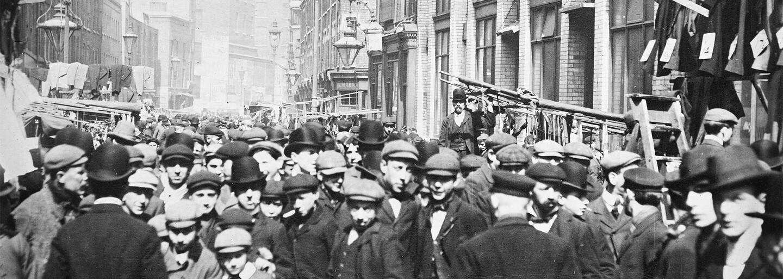 Na prvý pohľad zvodné a elegantné, no pod rúškom noci sa menili na najobávanejší ženský gang Londýna