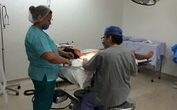 Na rakúskej klinike pacientovi nechtiac amputovali pravú nohu namiesto postihnutej ľavej