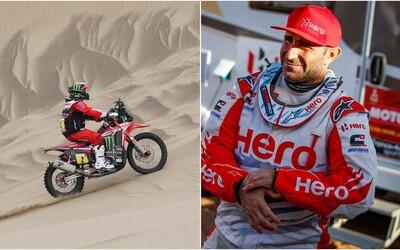 Na Rallye Dakar zemřel po nehodě motocyklista. Lékaři přijeli na místo za 8 minut, bylo to však pozdě