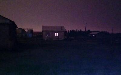 Na Sibiři během dne zmizelo slunce. Tento přírodní fenomén se v ruské oblasti opakuje pravidelně