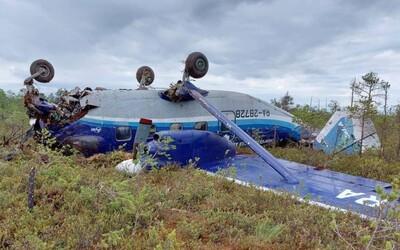 Na Sibíri našli stratené lietadlo s takmer 20 pasažiermi. Ako zázrakom všetci prežili tvrdé pristátie