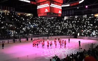 Na Slovane sa spievala Tichá noc, ktorá vytvorila čaroskrásnu atmosféru Vianoc priamo na štadióne