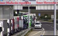 Na slovenskej strane priechodu s Maďarskom je 13-kilometrová kolóna. Vodiči sa kolónam nevyhnú ešte dlho